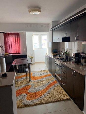 Apartament 2 camere - zona Capitol-85.000 euro (E4+E5) - imaginea 1