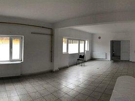 Casa de închiriat 7 camere, în Constanţa, zona Trocadero