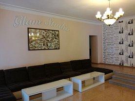 Casa de vânzare sau de închiriat 5 camere, în Galati, zona Micro 14