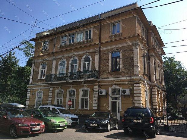 spatiu pentru birouri in vila - Universitate, Batistei, la 250 m de metrou - imaginea 1