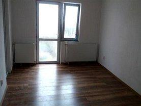 Apartament de vânzare 3 camere, în Targoviste, zona Micro 6