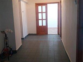 Apartament de închiriat 3 camere în Targoviste, Micro 11