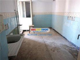 Apartament de vânzare 4 camere, în Târgovişte, zona Micro 11