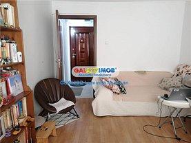 Apartament de vânzare 4 camere, în Târgovişte, zona Micro 9