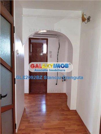Vanzare Apartament 2 camere decomandat Micro 5 - imaginea 1