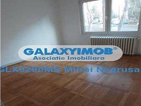 Apartament de vânzare sau de închiriat 3 camere, în Târgu Mureş, zona Tudor Vladimirescu