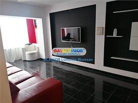 Apartament de vânzare 3 camere, în Târgovişte, zona Micro 6