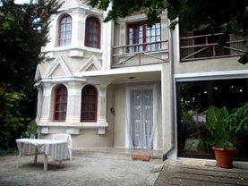 Casa de închiriat 6 camere, în Targoviste, zona Central