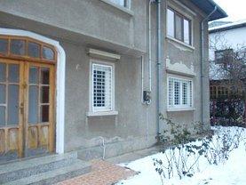 Casa de închiriat 3 camere, în Targoviste, zona Micro 5