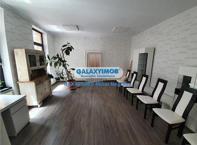 Vanzare casa cu 4 camere, curte proprie, in zona centrala - imaginea 1