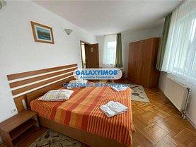 Casa de închiriat 11 camere, în Târgu Mureş, zona Central