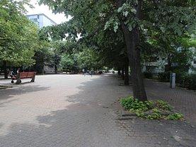 Apartament de vânzare 3 camere, în Galaţi, zona Ultracentral