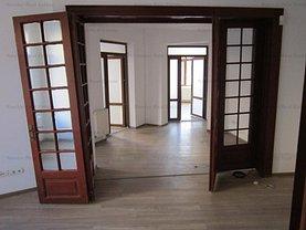 Casa de vânzare sau de închiriat 12 camere, în Bucureşti, zona Foişorul de Foc