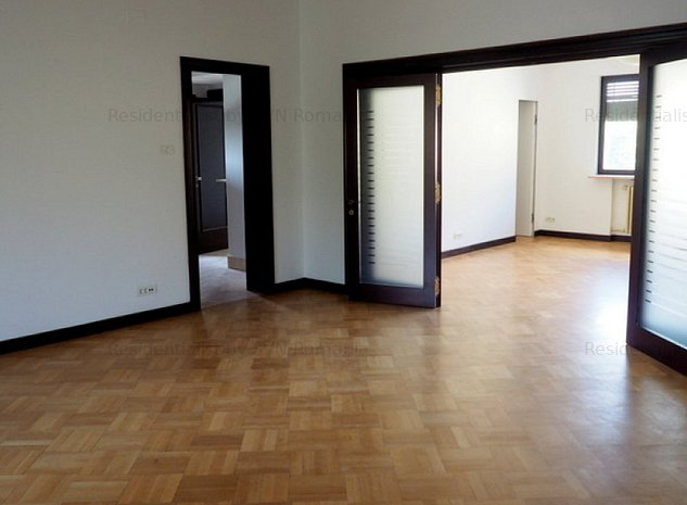 Apartament 5 camere in Vila Dorobanti -