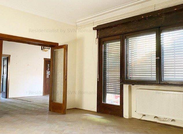Apartament spatios de 4 camere: .