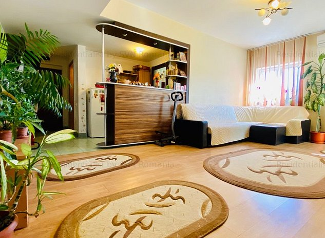 Apartament 4 camere Camera de Comert: .