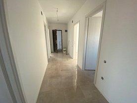 Apartament de vânzare 3 camere, în Bucureşti, zona P-ţa Unirii