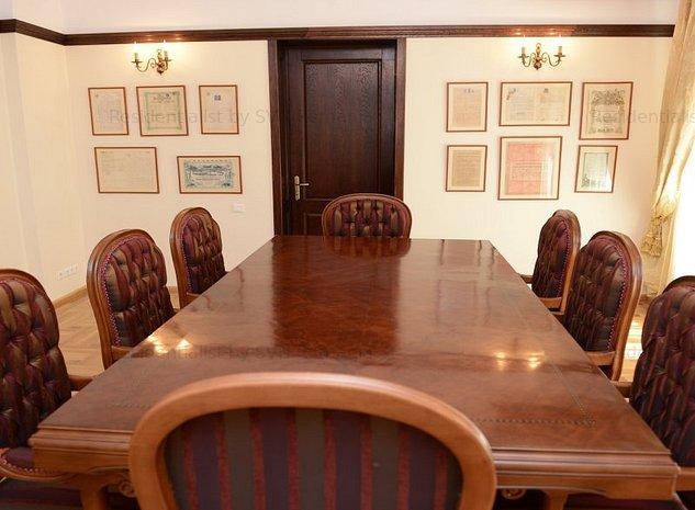 Apartament 5 camere - sediu firma: .