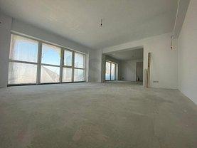 Apartament de vânzare 4 camere, în Bucureşti, zona Ştefan cel Mare