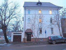 Casa de vânzare 9 camere, în Bucureşti, zona Unirii