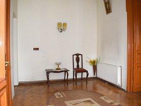 Casa de vânzare 5 camere, în Bucureşti, zona Dacia