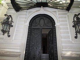 Casa de vânzare 15 camere, în Bucureşti, zona Calea Victoriei