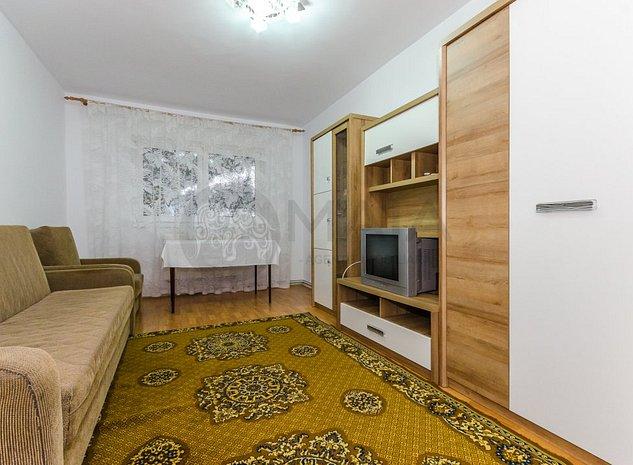 Apartament 2 camere decomandate, renovat complet, Strand - scoala - imaginea 1