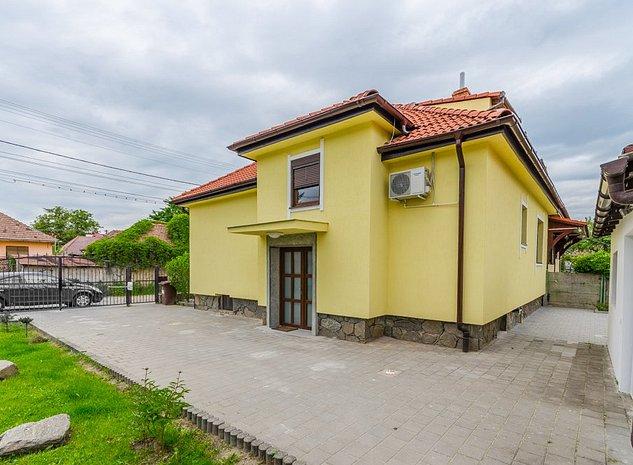 Casa 4 camere, renovata complet, garaj, zona semi-centrala - imaginea 1