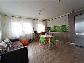 Apartament de vânzare 4 camere, în Floresti