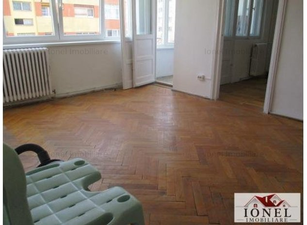 Apartament 2 camere de vanzare in Alba Iulia, zona Centru, etaj 1 - imaginea 1