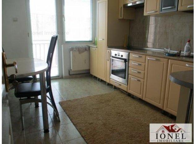 Apartament 4 camere decomandat 150 mp  de vanzare in Alba Iulia - imaginea 1