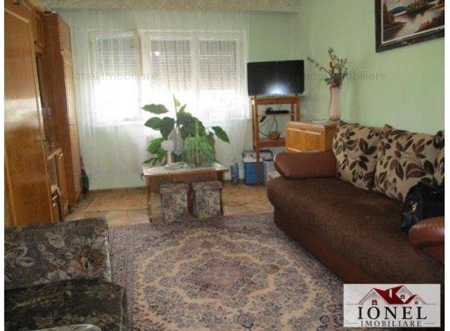Apartament 2 camere decomandat de vanzare in Alba Iulia, zona Cetate - imaginea 1