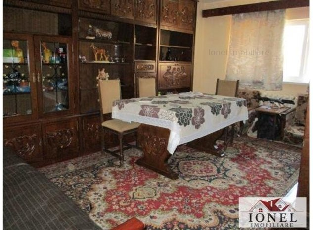 Apartament 3 camere decomandat de vanzare in Alba Iulia, zona Ampoi 3, etaj 1 - imaginea 1