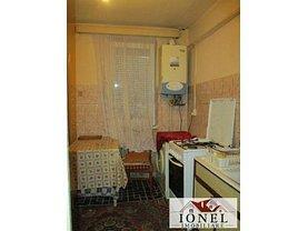 Apartament de vânzare 3 camere, în Alba Iulia, zona Ampoi 3