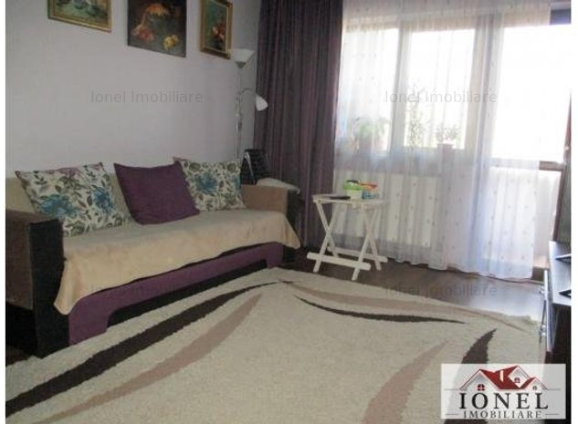 De vanzare apartament 3 camere Alba Iulia, Cetate, mobilat si utilat - imaginea 1