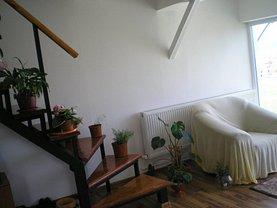 Apartament de vânzare 4 camere, în Deva, zona Zavoi