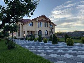 Casa de vânzare 7 camere, în Slatina, zona Central