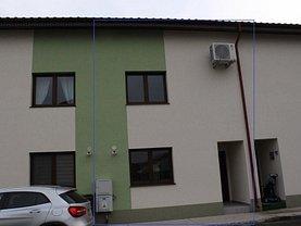 Casa de închiriat 5 camere, în Popeşti-Leordeni, zona Central