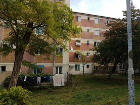 Apartament de vânzare 3 camere în Ramnicu Valcea, Petrisor
