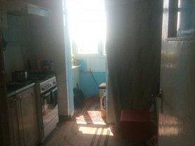 Apartament de vânzare 3 camere, în Craiova, zona Craiovita Noua