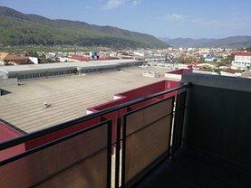 Apartament de vânzare 2 camere, în Piatra-Neamt, zona 1 Mai