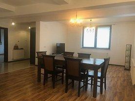 Casa de închiriat 5 camere, în Piteşti, zona Craiovei