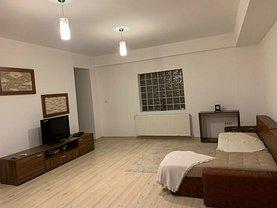 Apartament de închiriat 3 camere, în Constanţa, zona Km 4-5