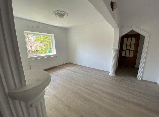 Apartament 4 camere-parter-120 mp-CT - imaginea 1