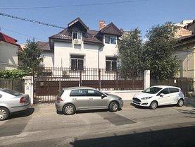 Casa de vânzare 6 camere, în Bucureşti, zona Coşbuc