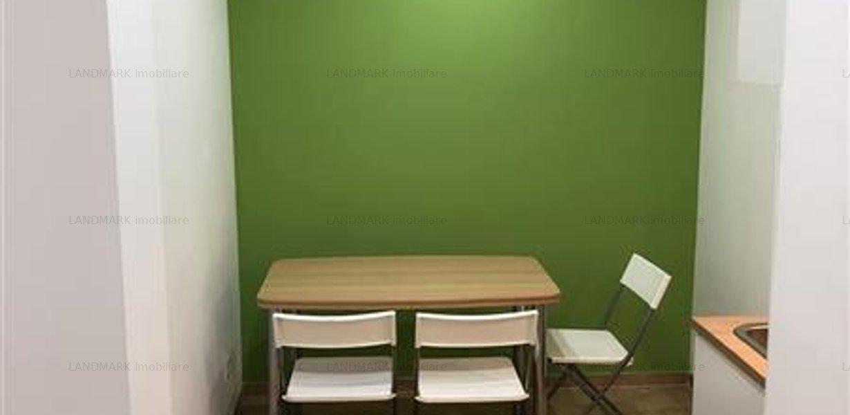 Apartament renovat, ultracentral, P-ta Unirii - imaginea 2