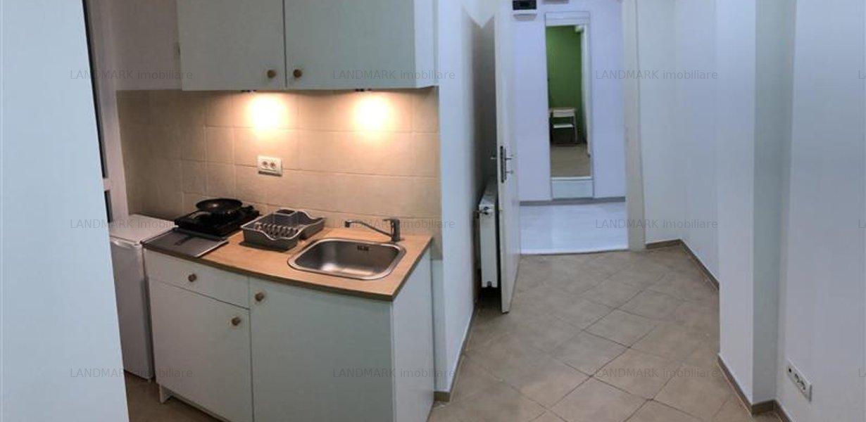 Apartament renovat, ultracentral, P-ta Unirii - imaginea 3
