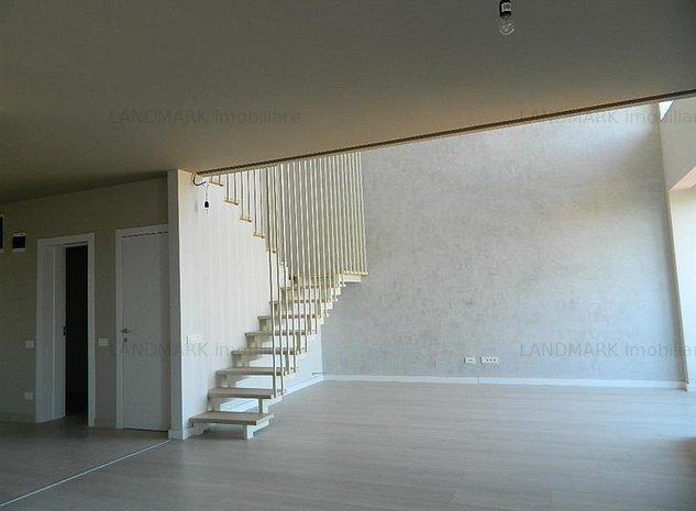 Penthouse in imobil nou, lux, zona centrala - imaginea 1