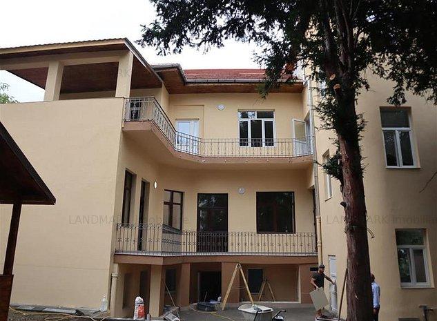 Cladire birouri 560 mp , curte privata , Central Balcescu - imaginea 1