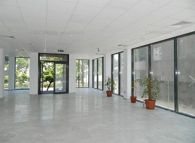 Spatiu comercial 400 mp pe 2 niveluri , Central - imaginea 1
